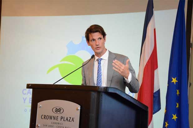 Expertos en comercio se reúnen en conferencia regional sobre cadenas globales de valor