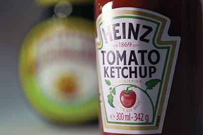 Kraft Heinz recibe presión para otro acuerdo, ventas se estancan