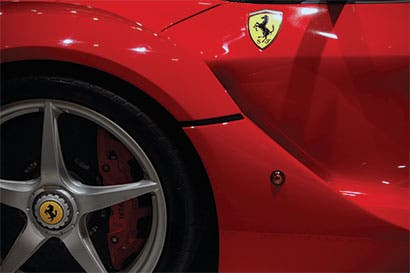 Ferrari obtiene márgenes similares a los de Apple con superautos