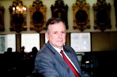 Ottón Solís presentó proyecto que cerraría Bancrédito