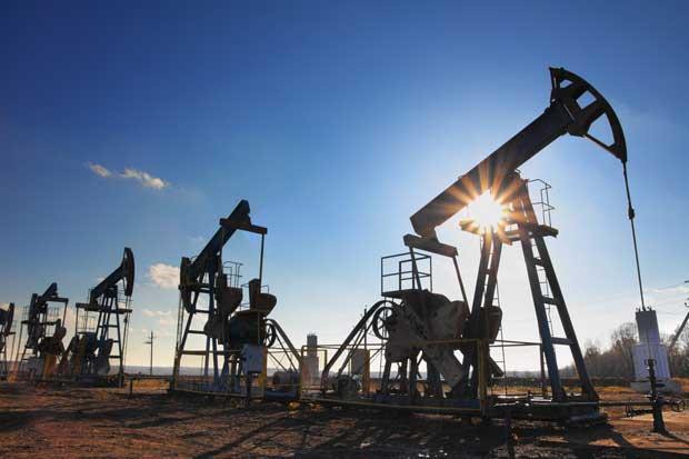 Petróleo cayó a un mínimo de seis meses