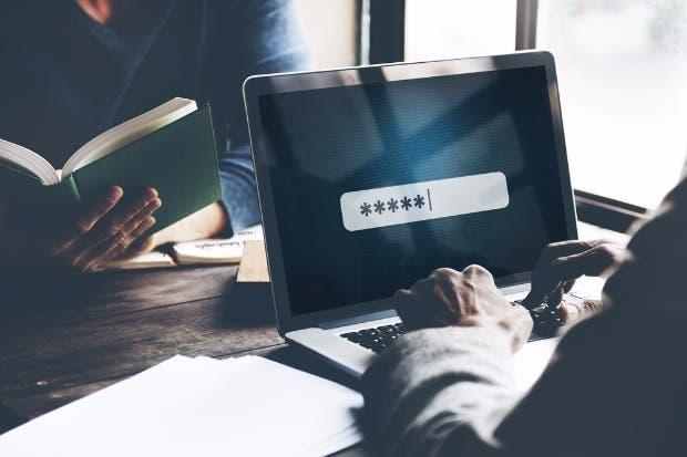 Colaboradores no están obligados a dar clave de correo a patronos