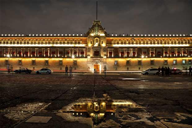 México prevé que mitad de electricidad sea renovable en 2050