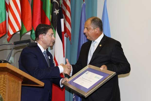 OMT nombró a Luis Guillermo Solís como embajador del turismo sostenible