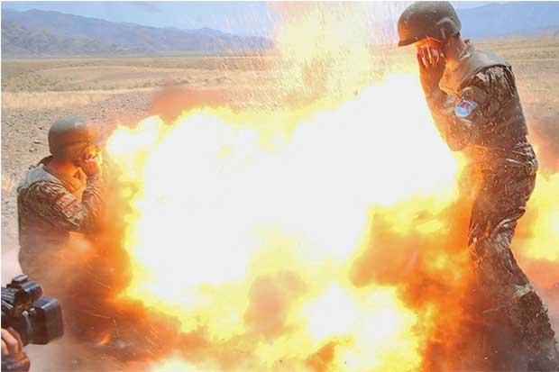 Fotógrafa militar tomó foto de explosión justo antes de morir