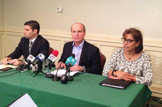 Figueres denuncia anomalías en 100 mesas de votación de Liberación