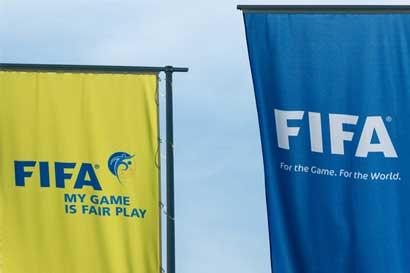 Jefes de la FIFA reemplazan oficiales de Ética