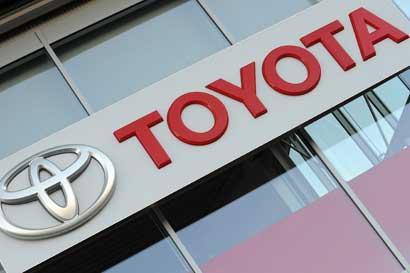Beneficio neto de Toyota cae un 21%