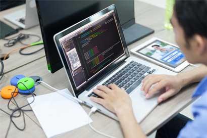 Hackers chinos deben pagar $8,9 millones por robo de datos