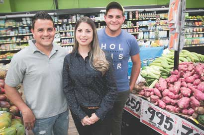 Peri y Supercompro comprometidos con productores nacionales
