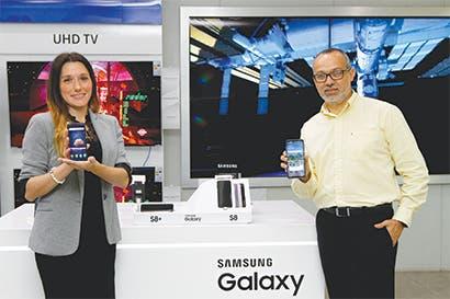 Smartphone con pantalla infinita de Samsung ya está disponible