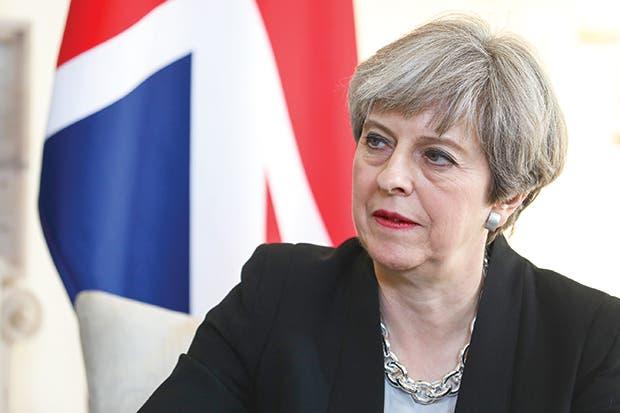 May promete impulsar el gasto en defensa del Reino Unido