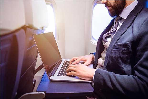 Aerolíneas se preparan para prohibición de laptops en Europa