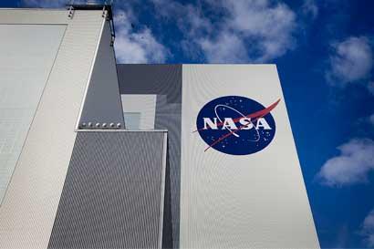 NASA rechaza idea de tripular el primer vuelo de un nuevo cohete