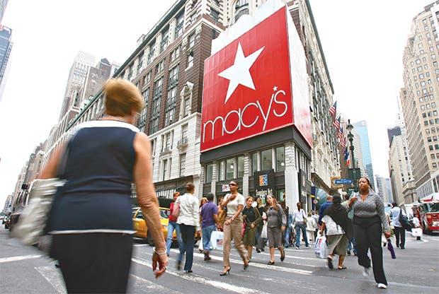 Macy's tiene peor caída desde 2008, agudiza crisis de minoristas