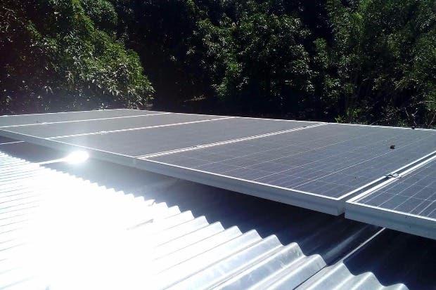 Paneles solares permitirán ahorro de energía en sistemas de acueductos