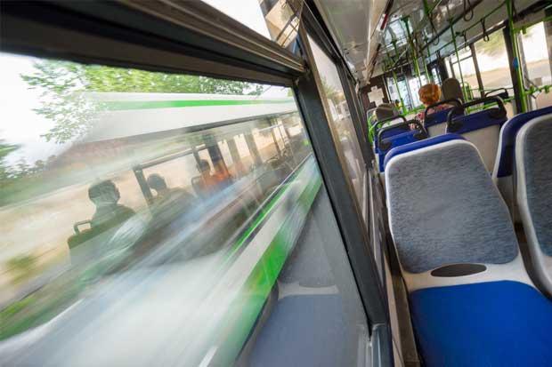 Defensoría pide medidas para hacer autobuses más accesibles