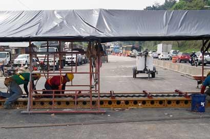 Iluminación y demarcación de puente Alfredo González estarán listas este fin de semana