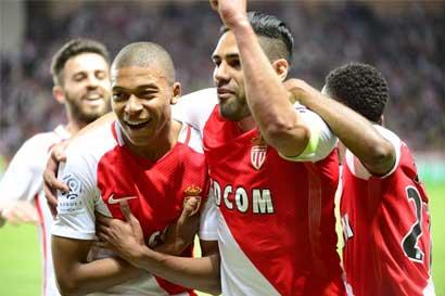 Mónaco relega al PSG como campeón francés