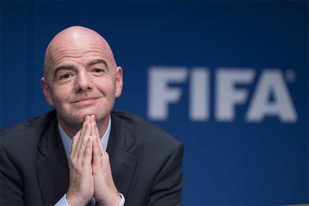 Renuncian dos funcionarios de FIFA por conflictos éticos