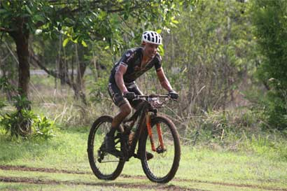 Luis Mejía se deja primera etapa del Guanaride