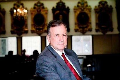 Gobierno niega incidencia en salida de Solís de comisión legislativa