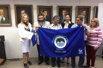 Proyecto agrícola de privados de libertad recibe bandera azul ecológica