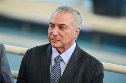 Golpes y bofetadas en senado de Brasil