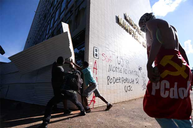 Gobierno brasileño desplegó 1.500 militares tras disturbios