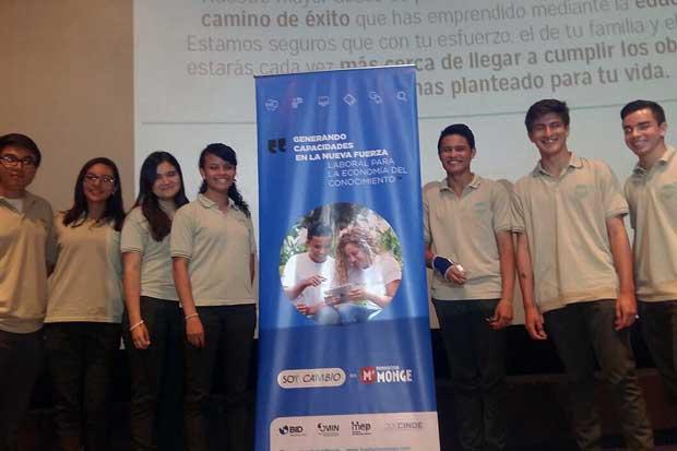 Jóvenes becados por Fundación Monge iniciarán clases de inglés