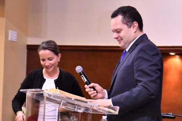 Renovación Costarricense se disuelve y lanza dardos a Presidente del Congreso