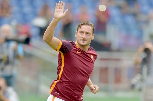 Roma vence en despedida de Totti y clasifica a Champions League