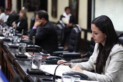 Natalia Díaz inscribe precandidatura en el Movimiento Libertario