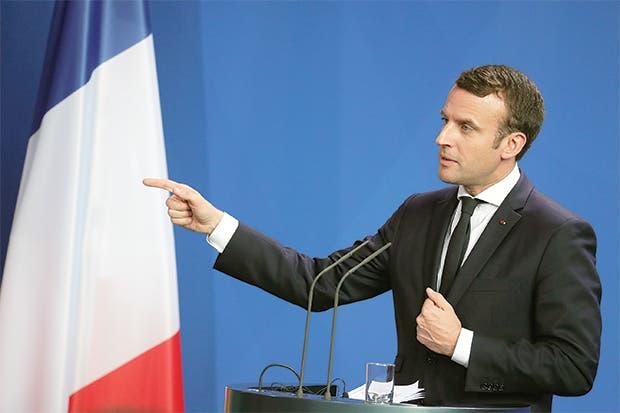 Macron se ve con Putin y Merkel insta a autosuficiencia europea