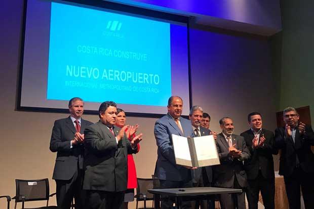 Presidente aboga a que próximos administraciones continúen plan del nuevo Aeropuerto