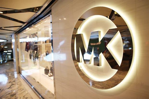 Michael Kors cae tras perder interés en los consumidores