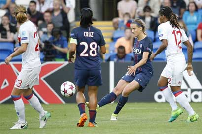 Olympique Lyon deja sin Champions League a Shirley Cruz