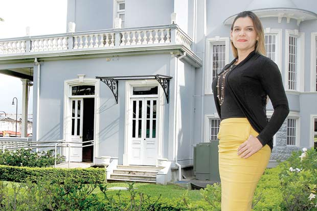 Elección de diputados desafía compromiso de Álvarez con mujeres
