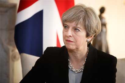 May se enfrenta a un futuro incierto ante resultado electoral
