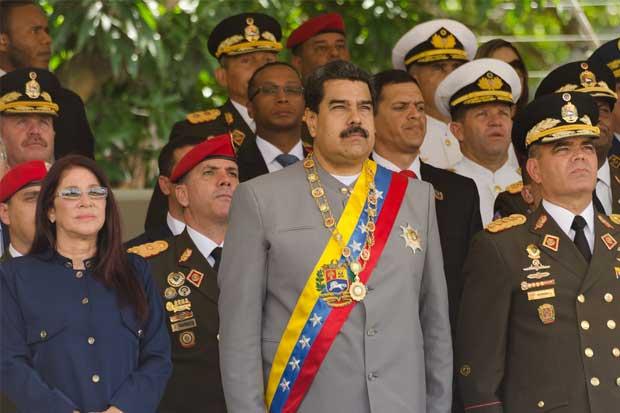 Oposición denuncia a Maduro, magistrados y rectoras