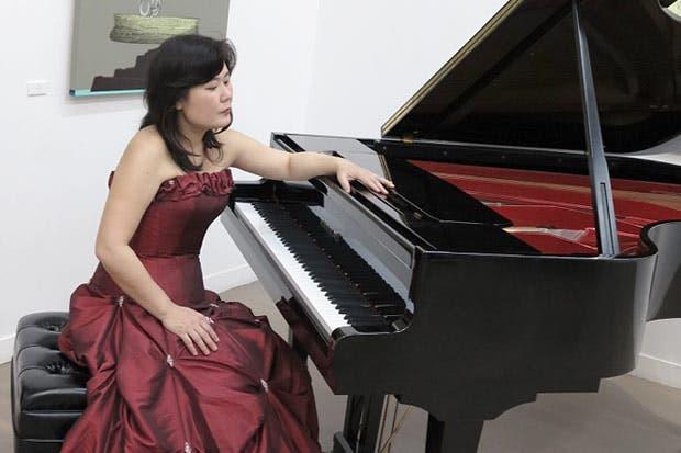 Pianista japonesa ofrecerá concierto gratis en el país