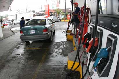 Recope propone nueva rebaja en combustibles