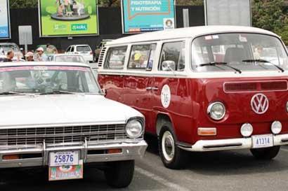 Tradicional rally de autos hacia Puntarenas vuelve este fin de semana