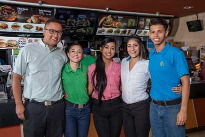 McDonald's tendrá hoy feria de empleo para personas sin experiencia