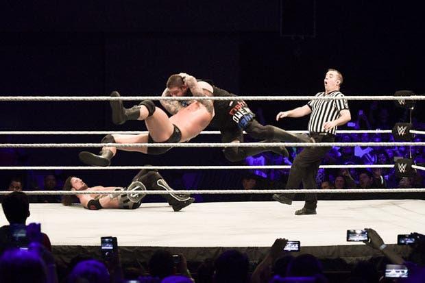 Orton durmió a Owens con el RKO en Costa Rica