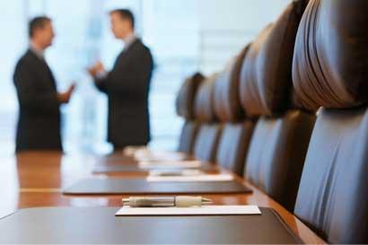 Defensoría pide a empresarios reintegrarse a diálogo sobre IVM