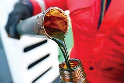 Petróleo no OPEP superará crecimiento de la demanda en 2018