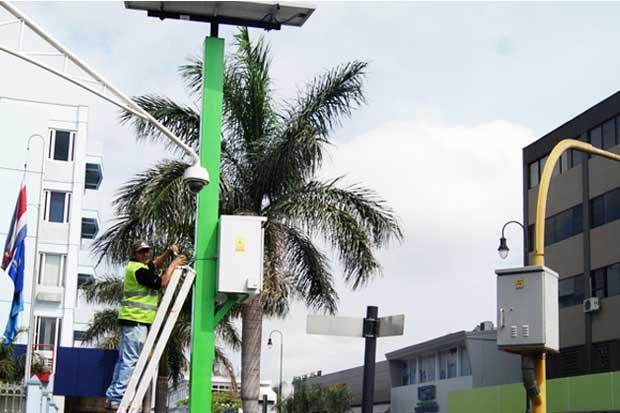159 intersecciones semaforizadas funcionan con energía solar