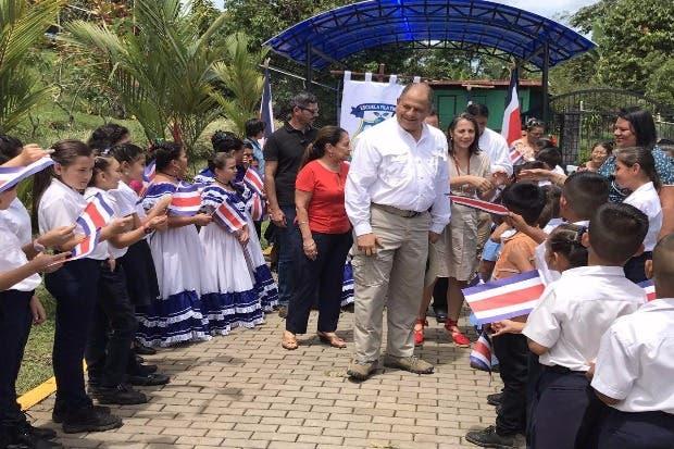 Fila de Tigre con escuela accesible para estudiantes con discapacidad