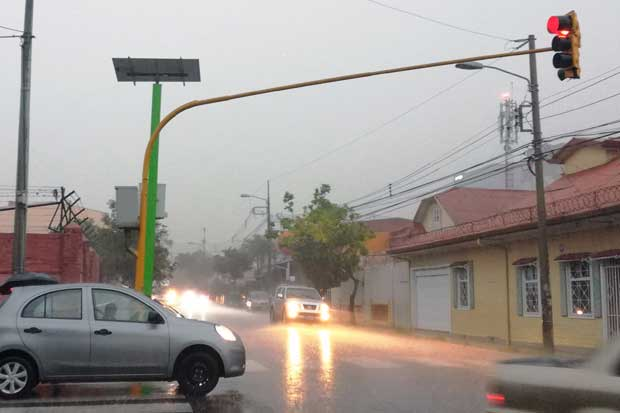 Mitad de semáforos de la GAM funcionará con energía solar este año